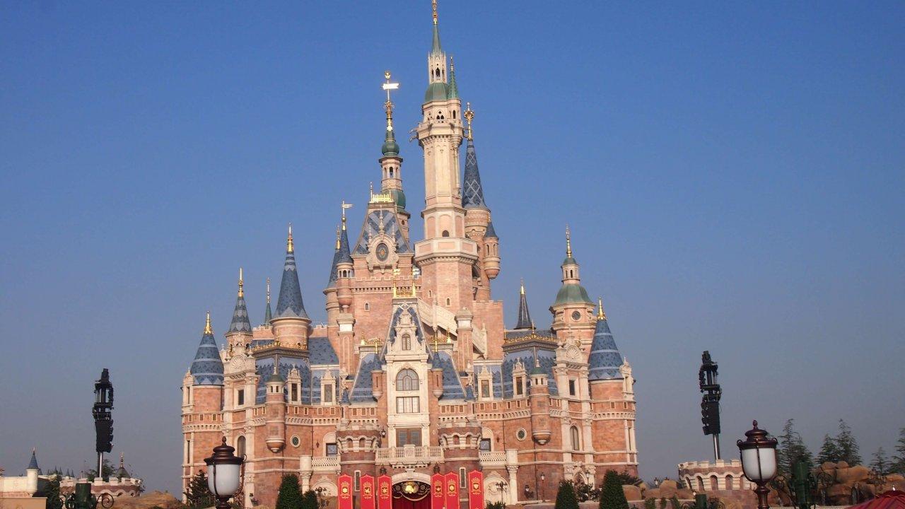 上海ディズニーランドは1日でまわれる!混雑情報とパークの魅力を解説