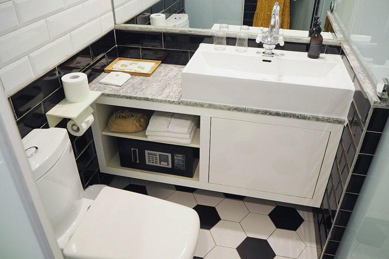 パポアホテルの洗面所
